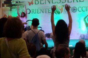 Il festival d'oriente e lo Yoga della risata